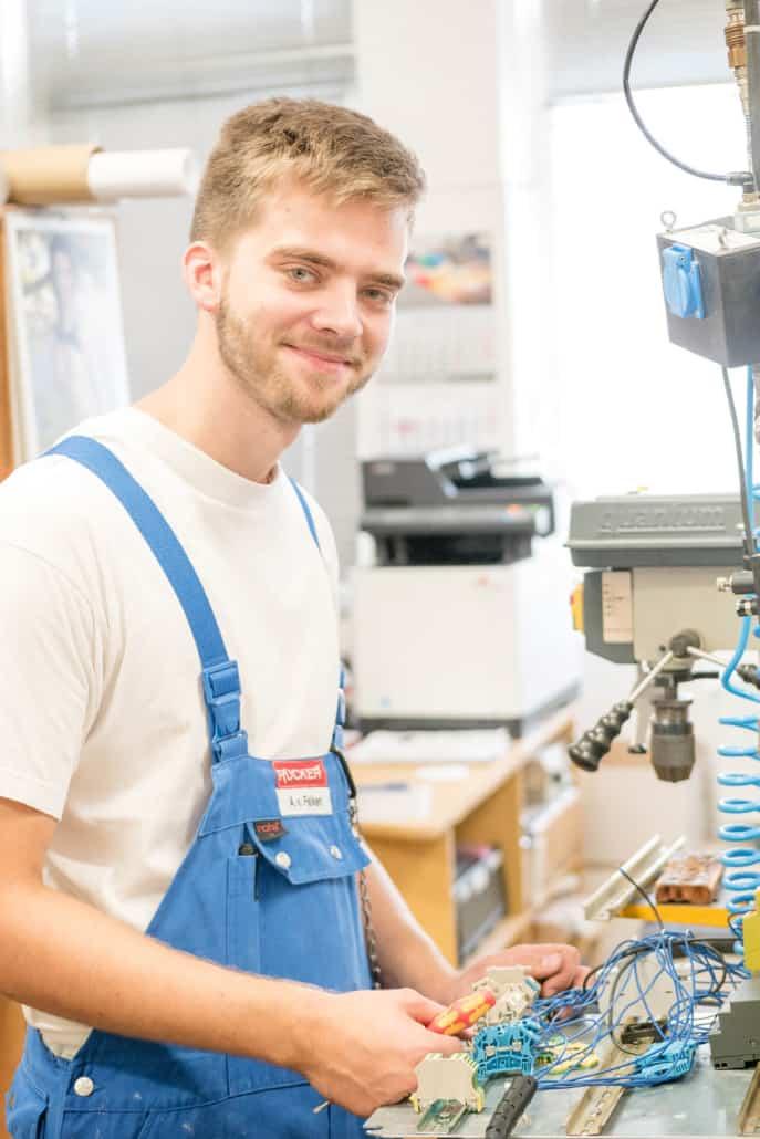 Elektroniker für Betriebstechnik der Molkerei Rücker