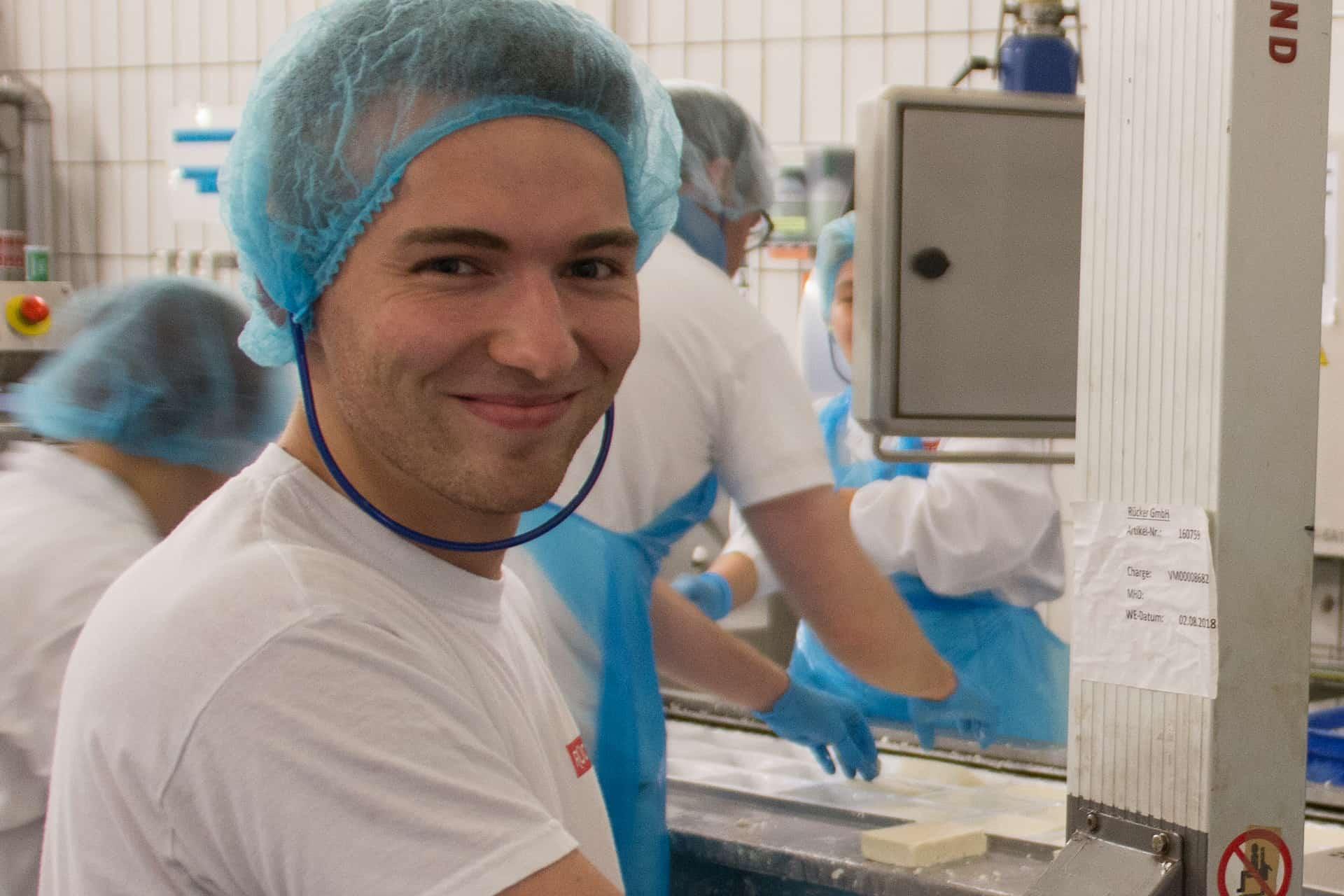 Fachkraft für Lebensmittel-Technik der Molkerei Rücker