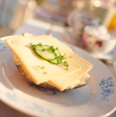Belegtes Brot mit Käse