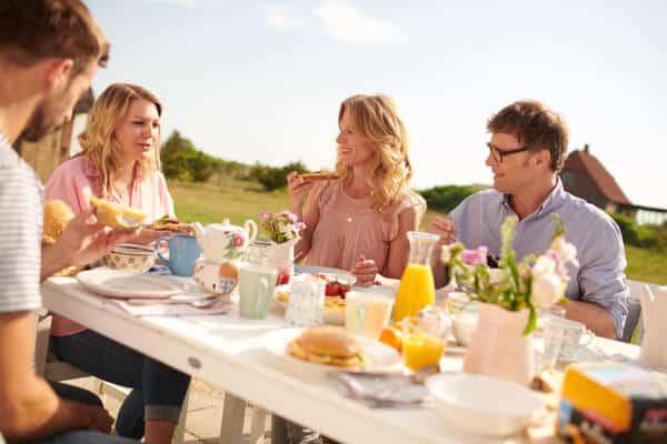 Gemeinsames Frühstück zu Ostern bei Rücker