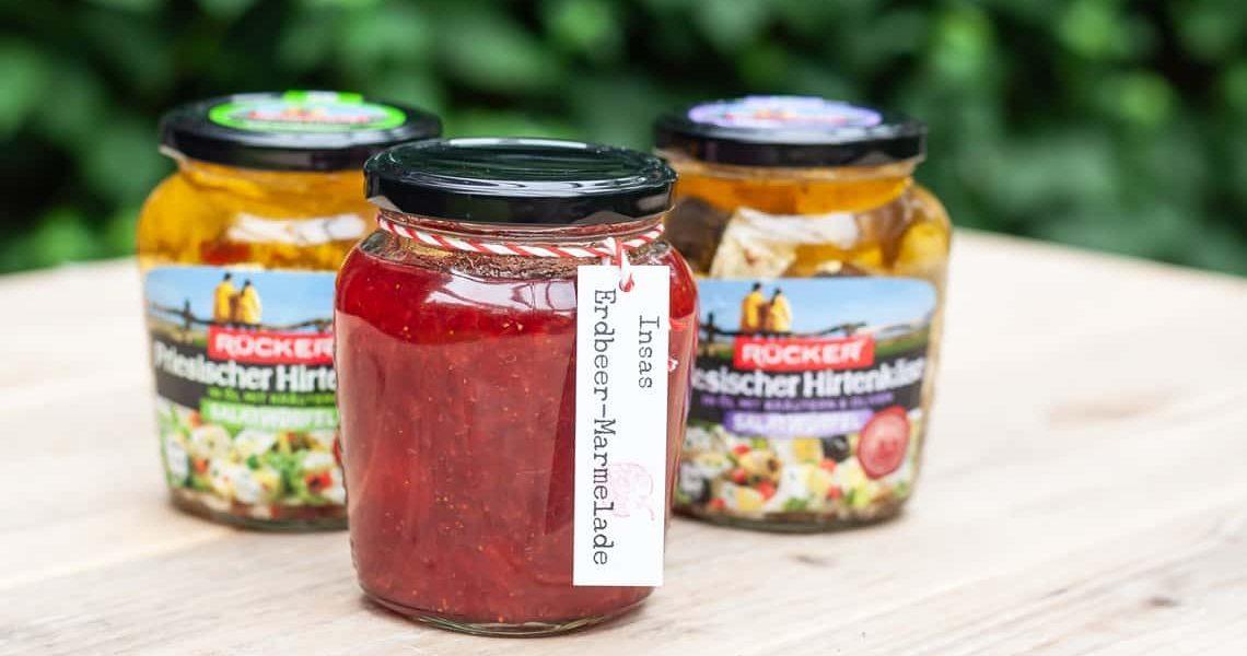 Erdbeermarmelade im Salatwürfel-Glas